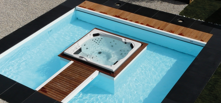 Combined Swimming Pools And Spas Meet New Demands